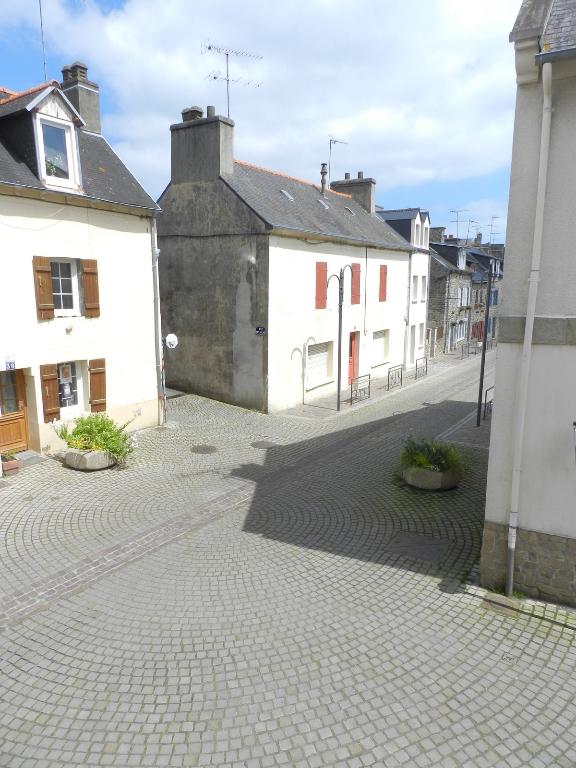 LOCATION SAISONNIERE : maison au port de St Quay Portrieux!